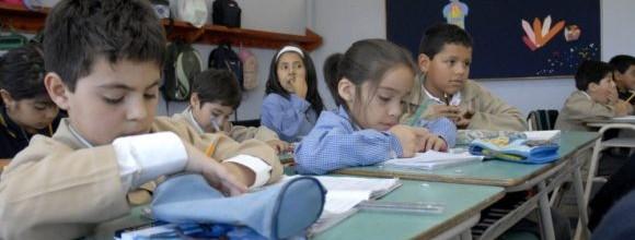 """Mineduc realiza consulta para crear bases de asignatura de """"Lengua y Cultura de Pueblos Indígenas"""""""
