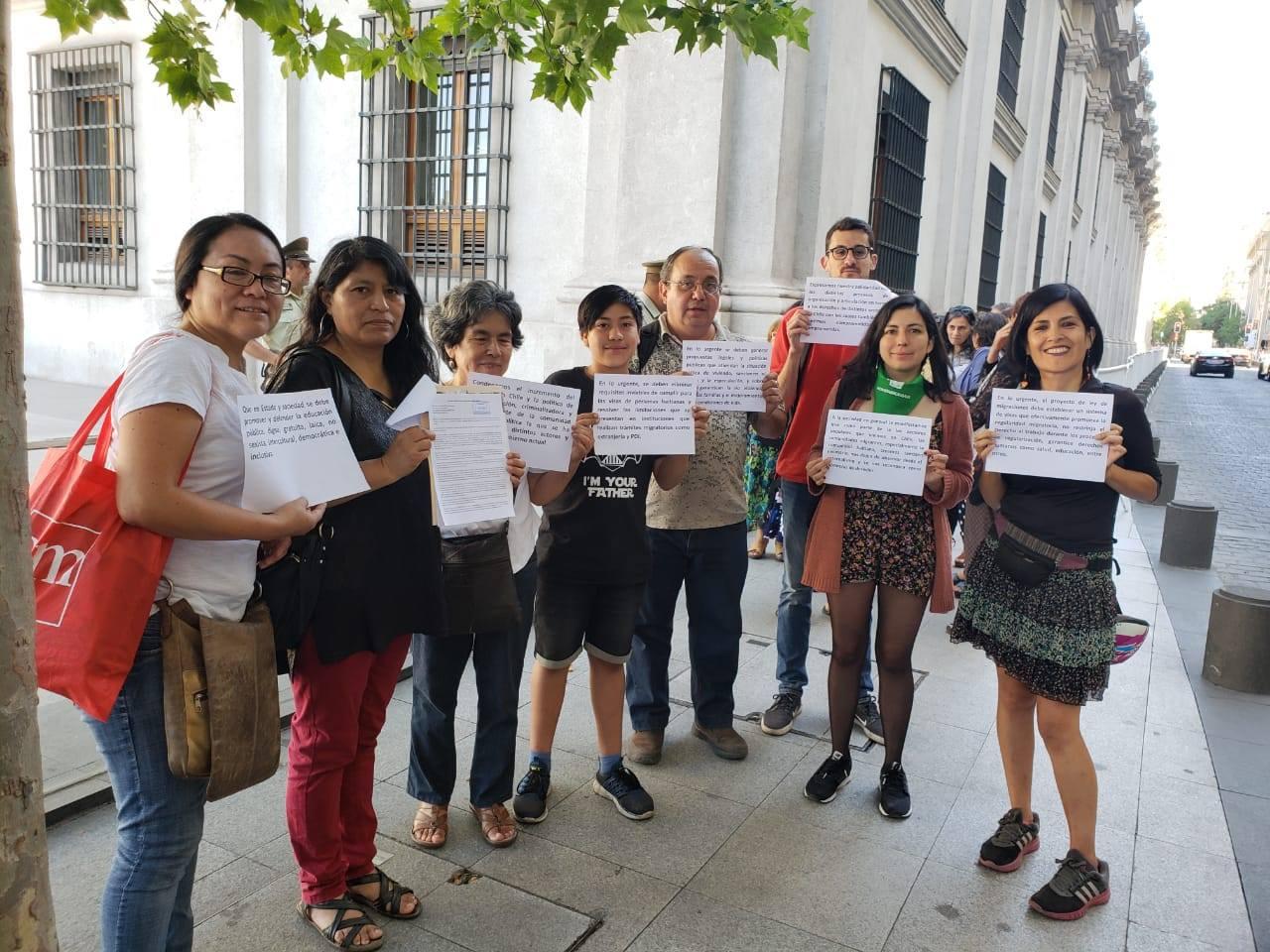 """Día Internacional del Migrante: Organizaciones dirigen carta a Piñera para rechazar """"el racismo y la segregación social en Chile"""""""