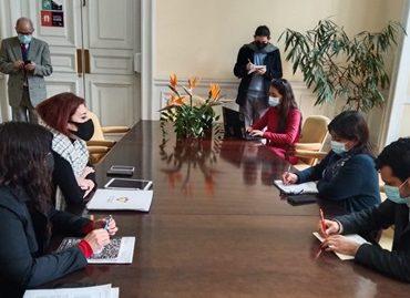 Defensora de la Niñez se reúne con directiva de la Convención Constituyente